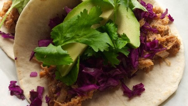 Gevulde wrap met pulled pork en avocado